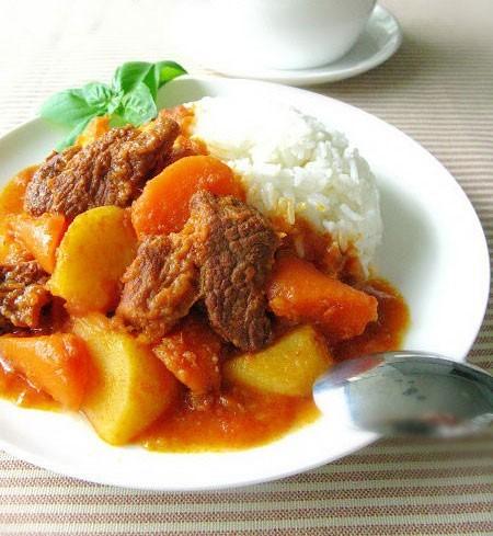 胡萝卜炖牛肉-科尔沁牛业之美食厨房