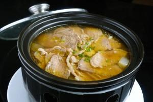 家常菜谱 -补虚养身砂锅牛肉汤